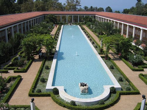 800px-Pool_at_Getty_Villa