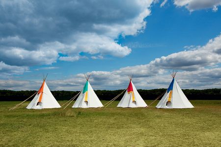 Wedding-reception-ideas-kids-teepees