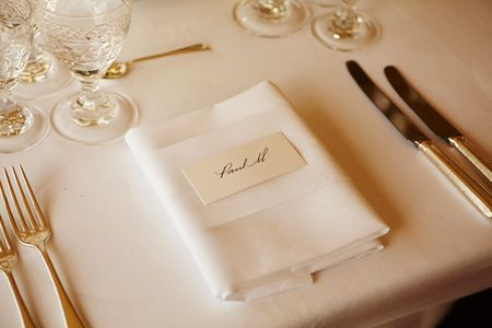 Simple-elegant-place-setting-for-paul-mccartney