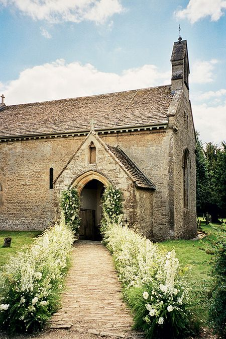 Cottswold-chaple-kate-moss-wedding